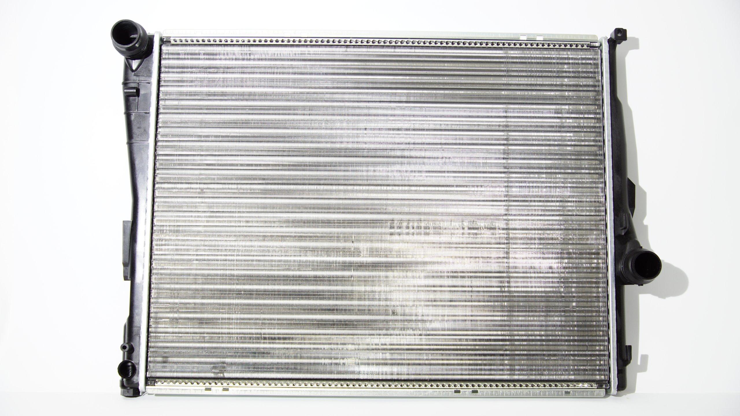 радиатор воды bmw 3 e46 316 318 320 323 328 330