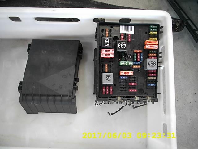 AUDI A3 3 , 2 V6 FUSE BOX 8P0 SET | XDALYS.LTxDalys
