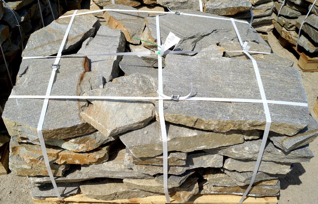 Kamień Naturalny Gnejs Szary Kaskada Na Skalniak
