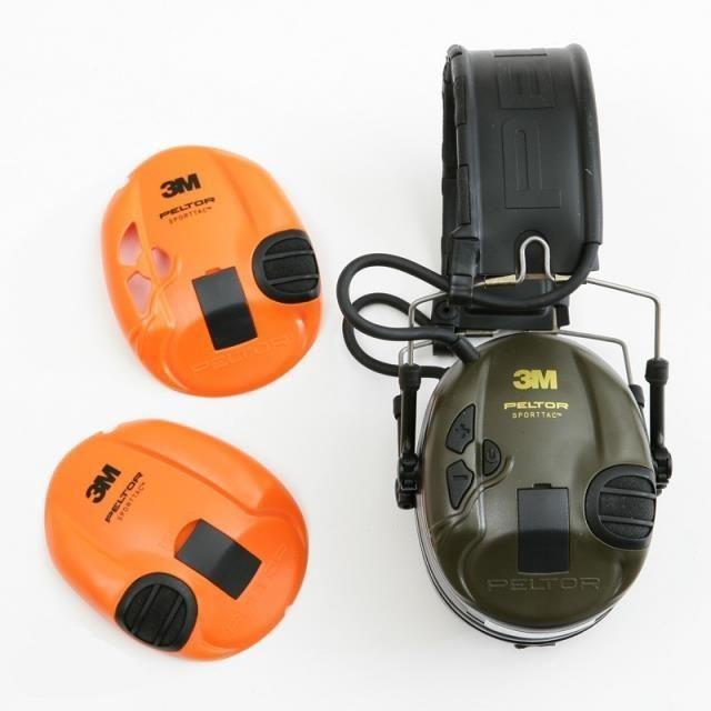 3M Peltor SportTac chrániče sluchu.