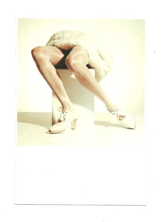 Открытка - Ножки Janneque и туфли Lola Pagola, № 2
