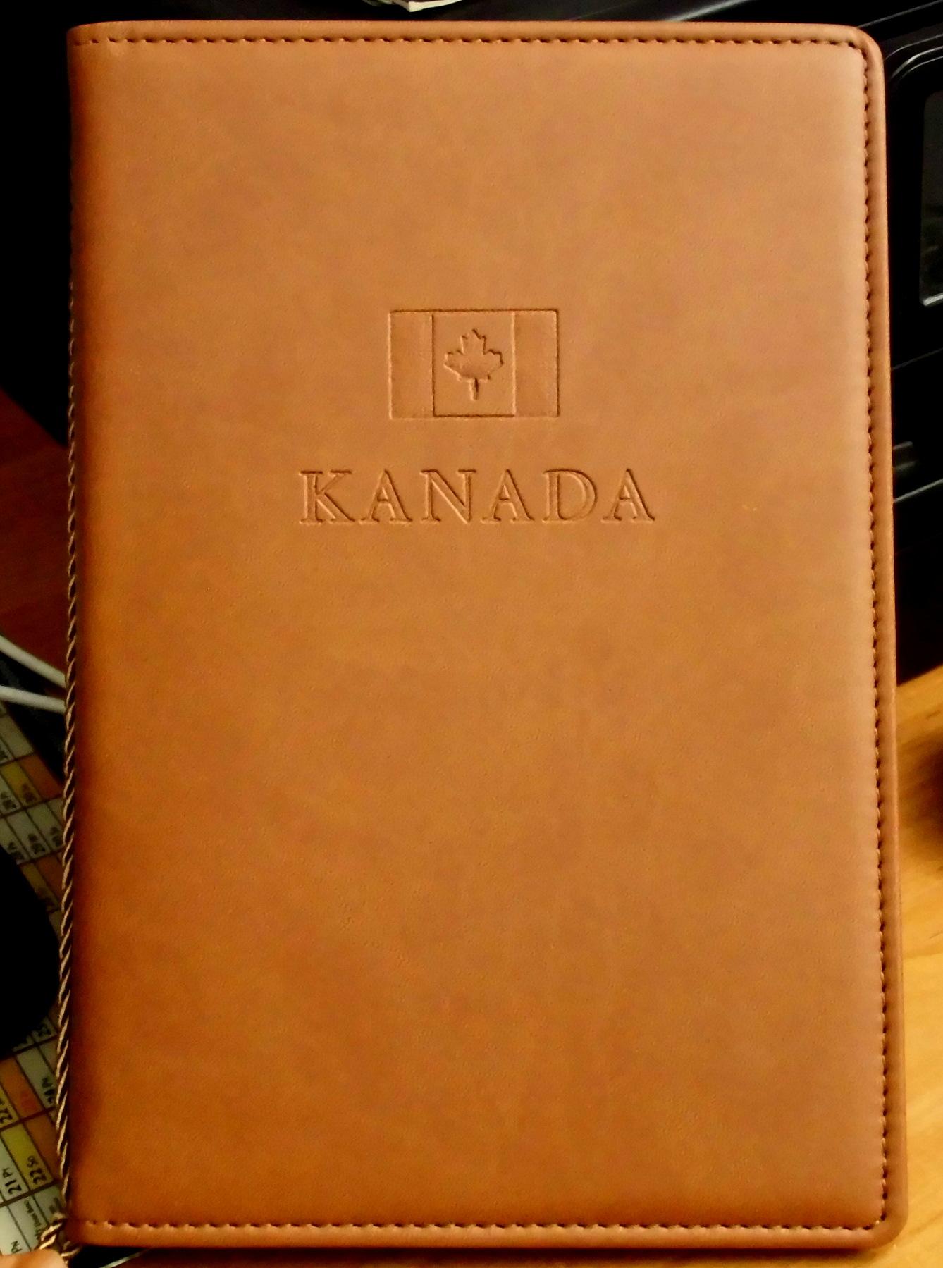 Kanada ładny album na zdjecia ,pocztówki,banknoty