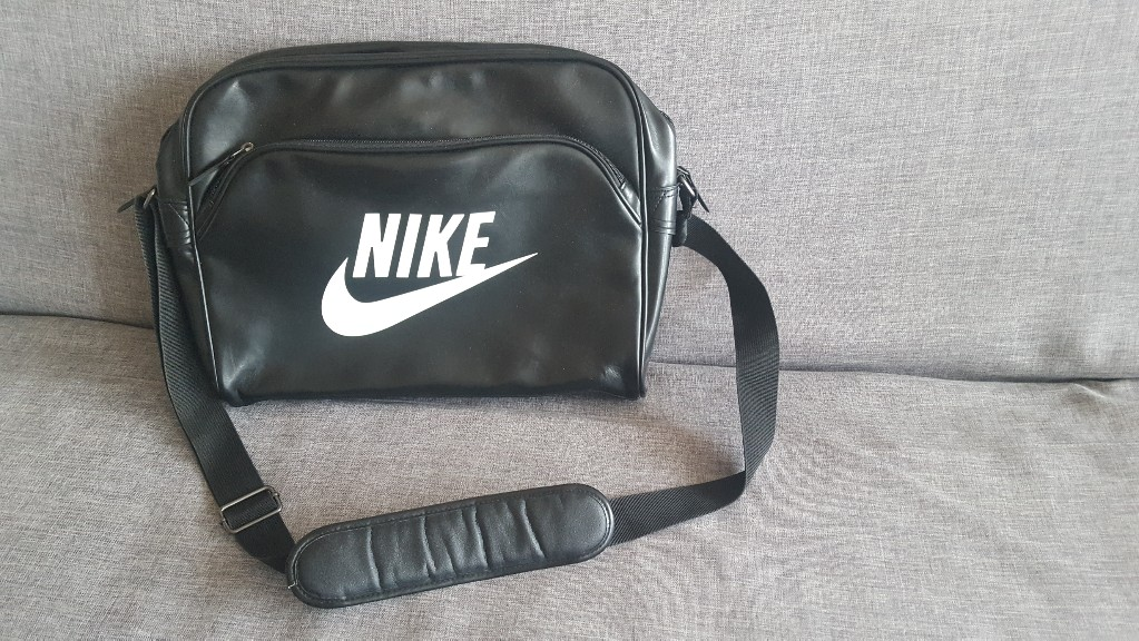 cfa73e5d0b9b0 Torba Nike na laptopa - 7338890108 - oficjalne archiwum allegro