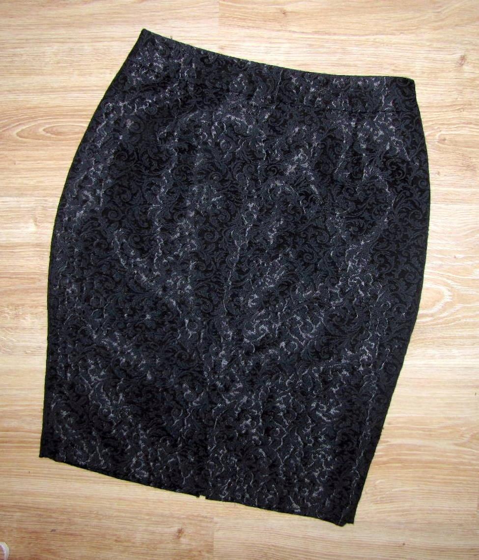1a243b7a MOHITO czarna ołówkowa spódnica żakardowa r 34/36