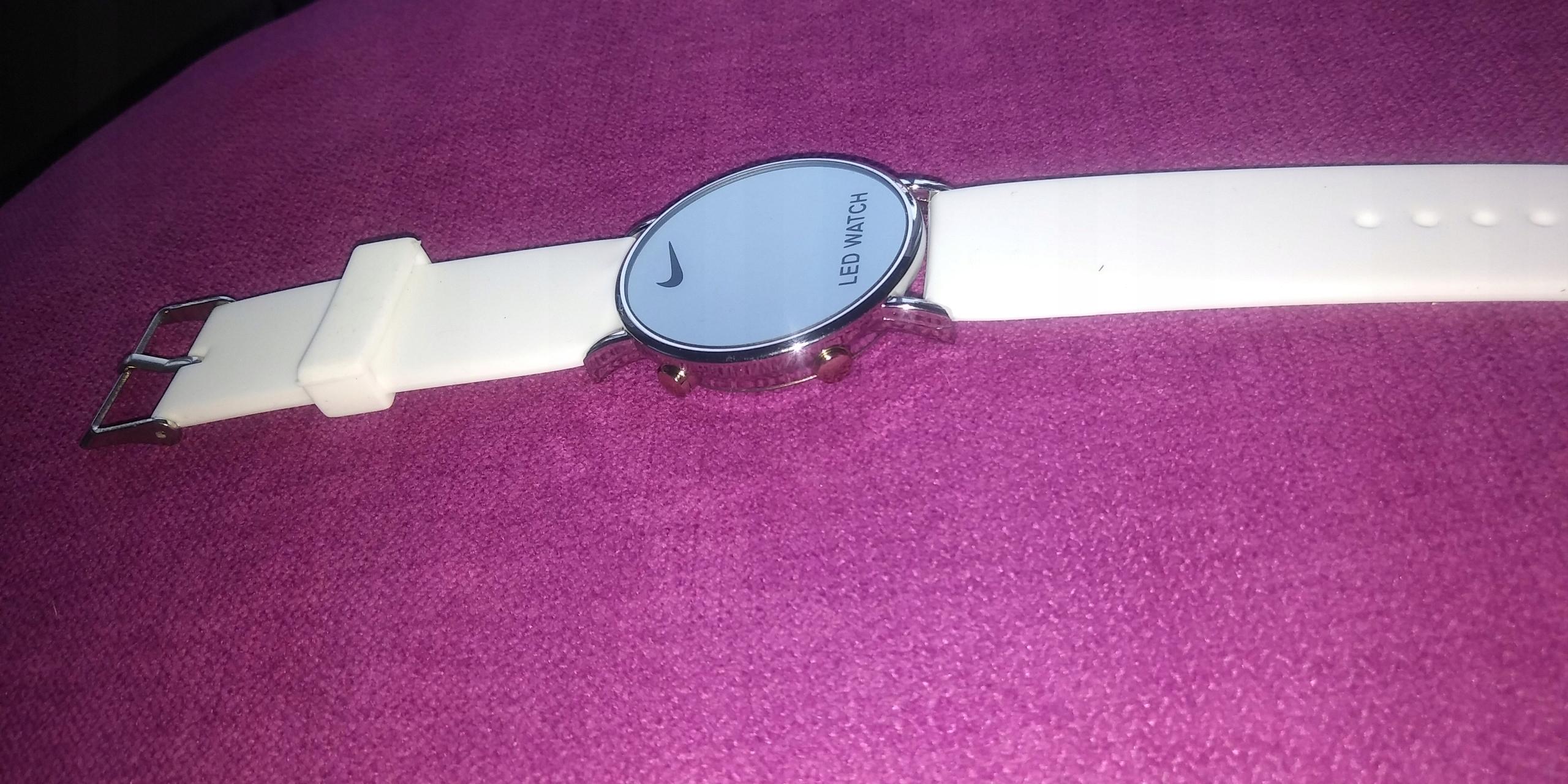Młodzieńczy Zegarek NIKE Led Watch biały - 7501460800 - oficjalne archiwum allegro EJ84