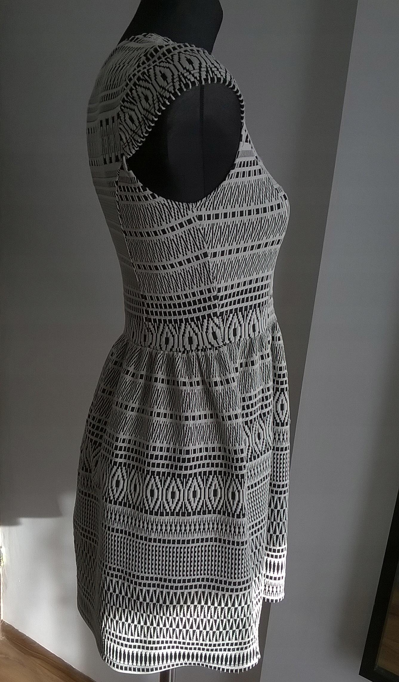 66e83488f7 krótka sukienka wesele S biała wzory rozkloszowana - 7555203009 ...