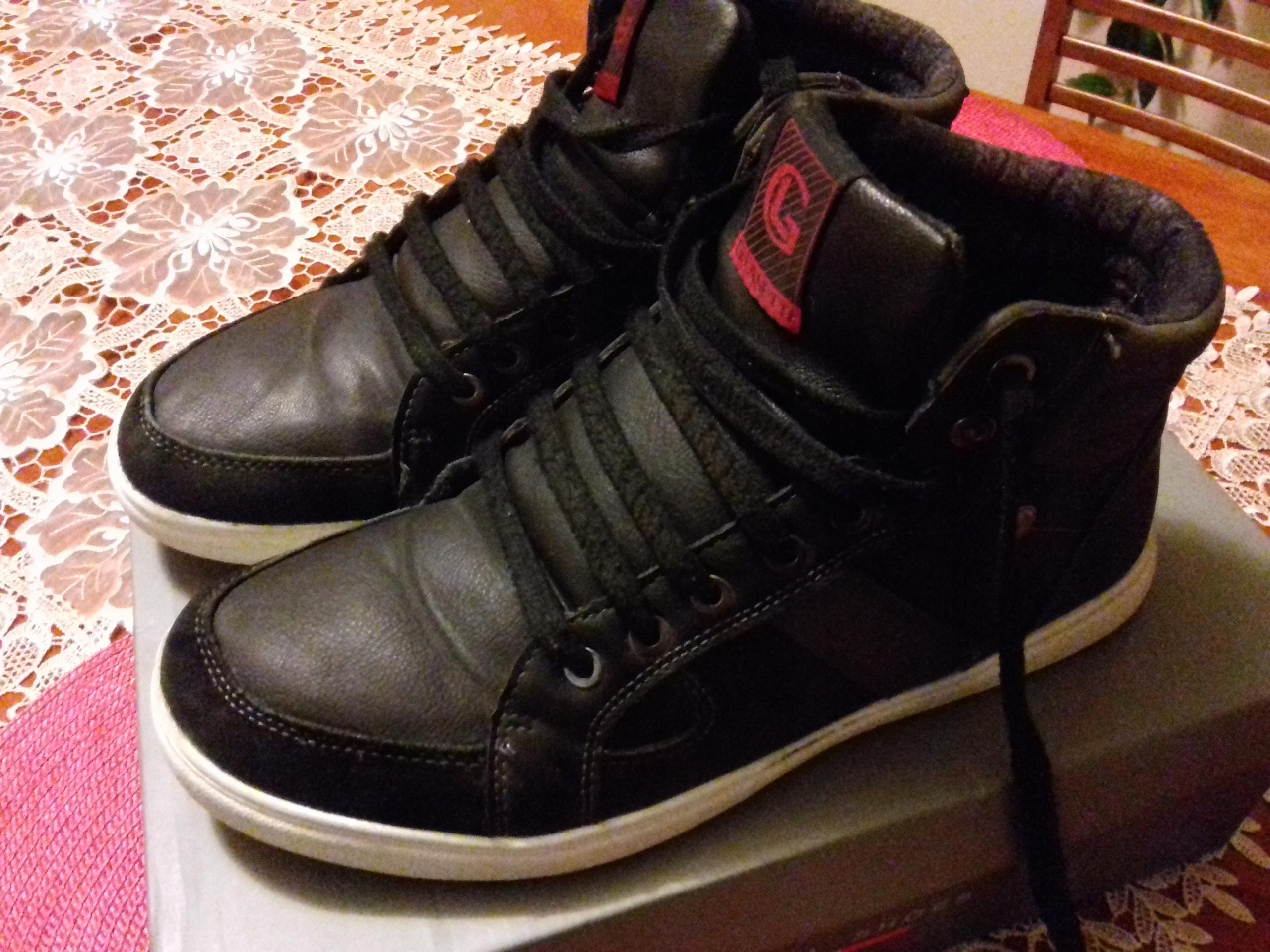 różne style duża obniżka najnowszy Buty młodzieżowe czarne ocieplane rozmiar 41 CCC ...