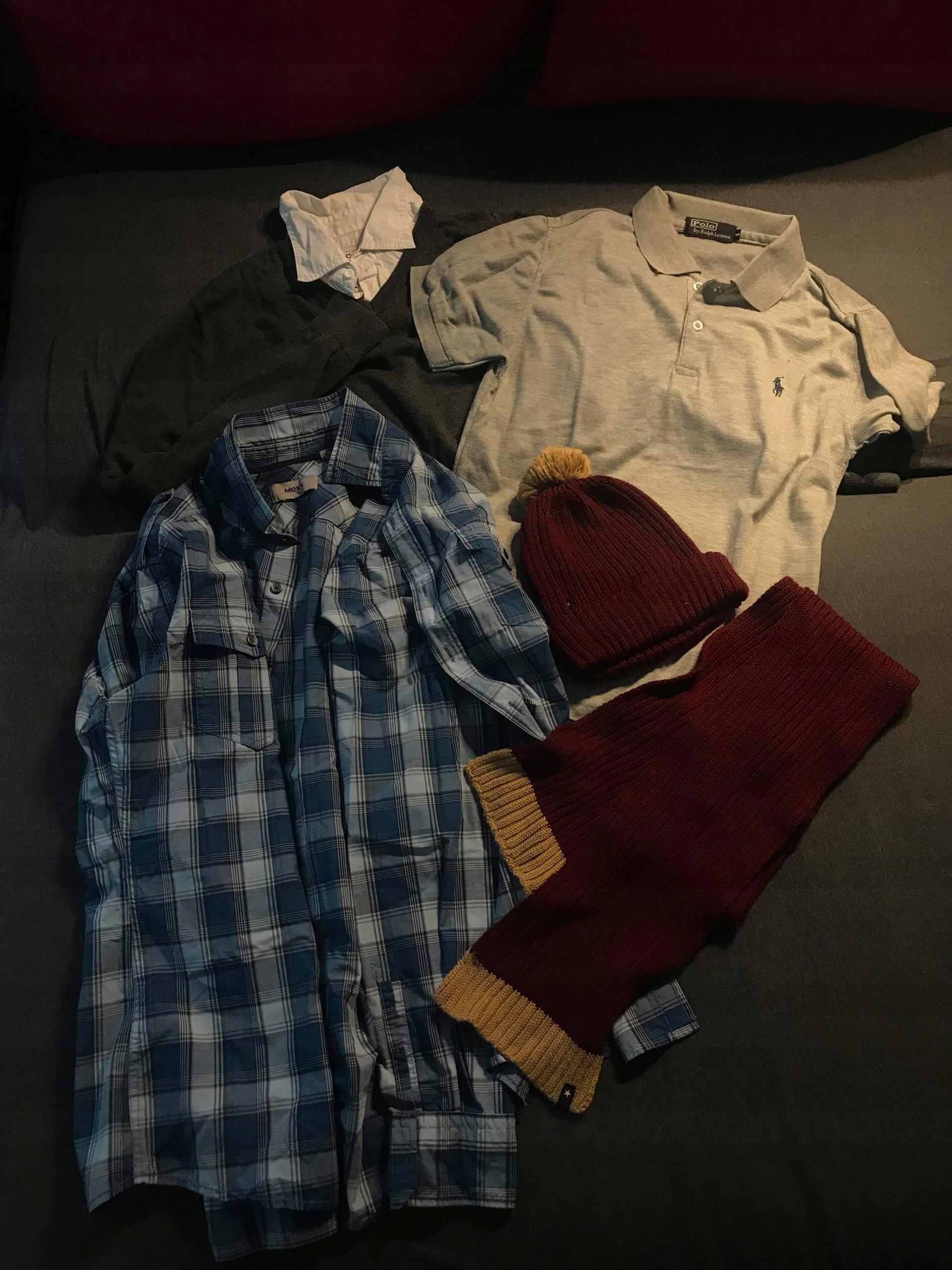 Zestaw ubrań chłopaka koszulka sweter polo szalik