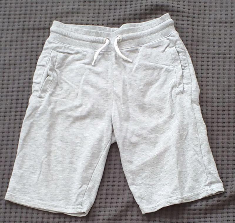 krótkie dresowe spodenki, H&M, 152-158