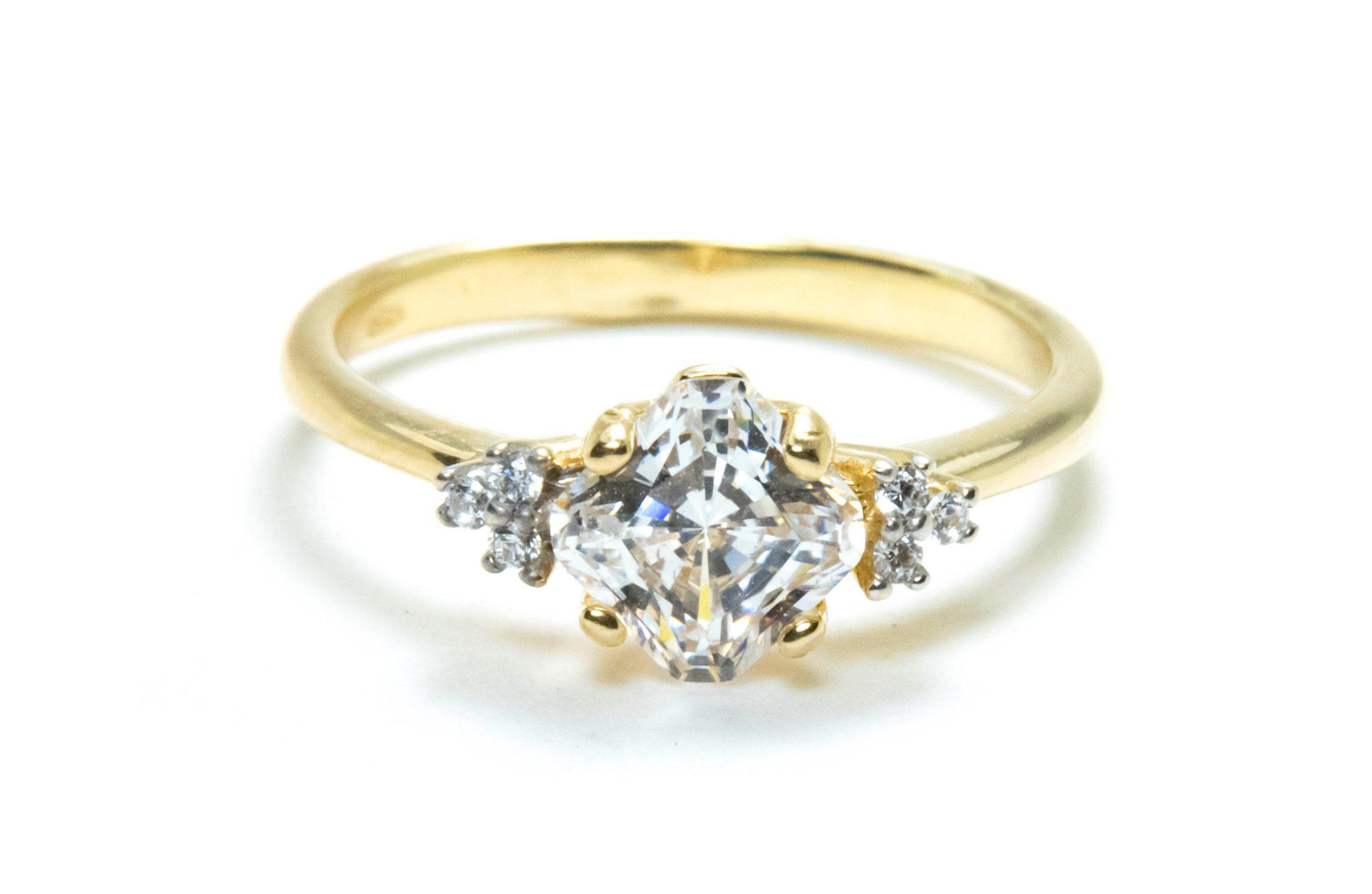 Złoty Pierścionek Zaręczynowy Cyrkonie Grawer 7383527784