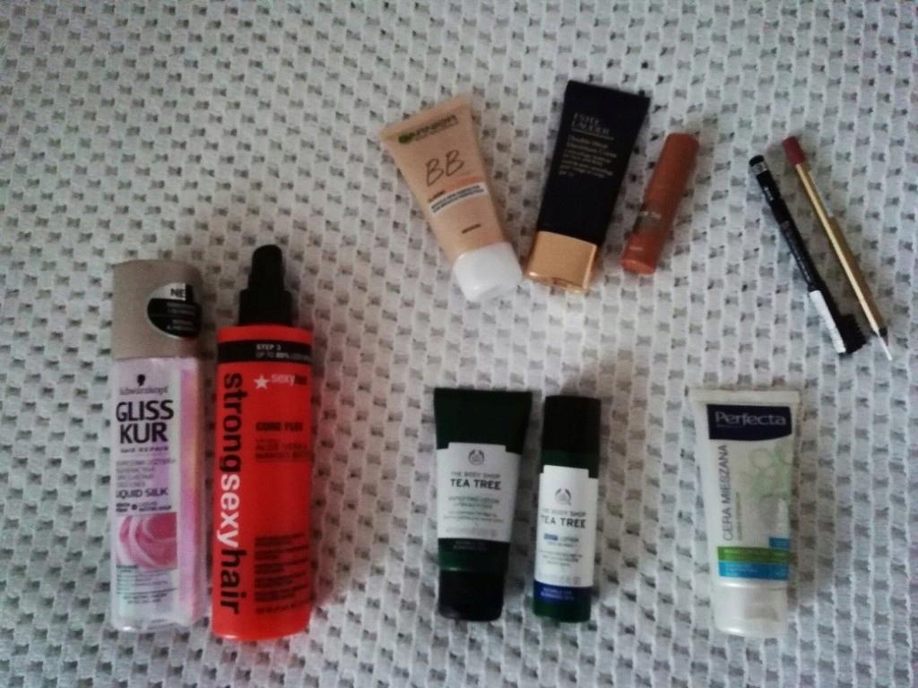 zestaw kosmetyków Estee Lauder benefit