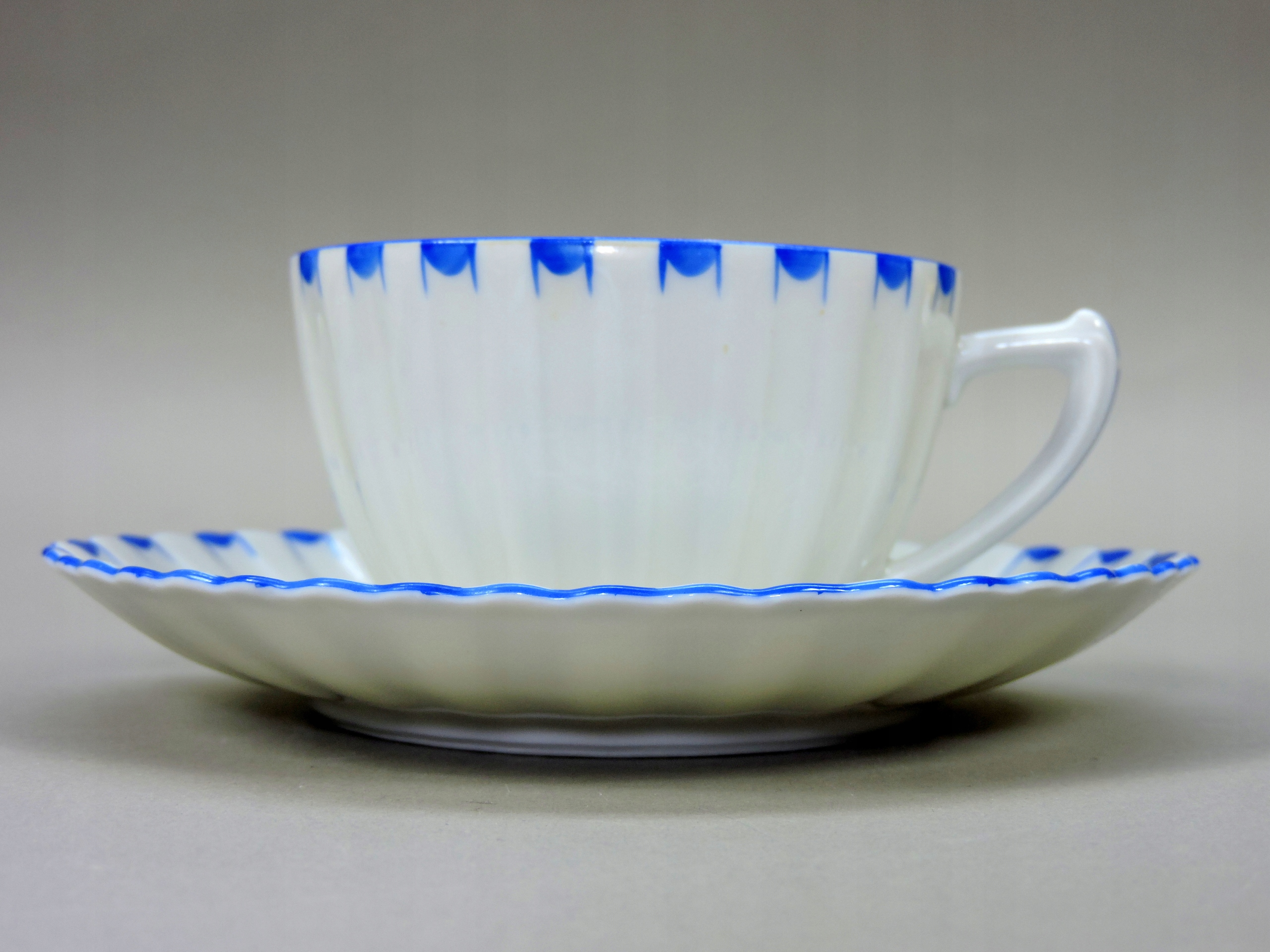 Filiżanka Parowa Tuppack 1930 karbowana niebieska