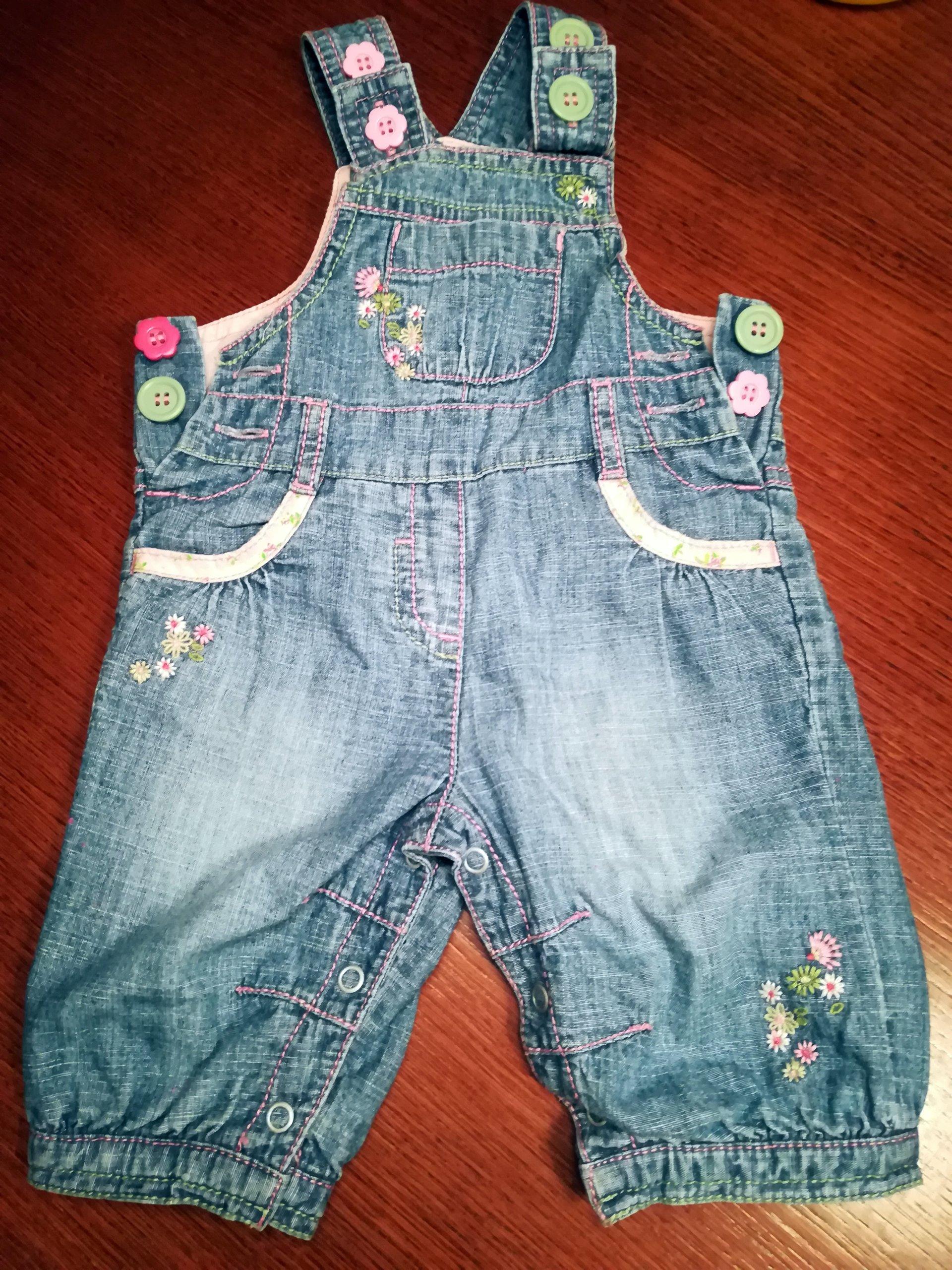5bf394c4 ogrodniczki spodnie jeansowe 0-3 miesięcy r.62