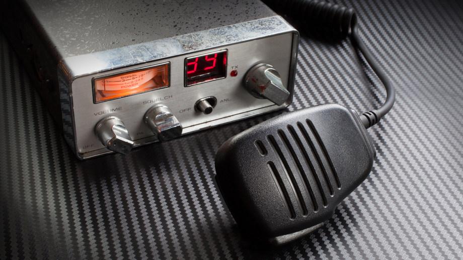 Wybieramy CB Radio do samochodu ciężarowego
