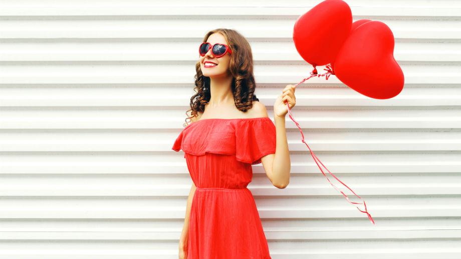 34c83d63c3 Czerwone sukienki na wiosnę – trzy najlepsze stylizacje - Allegro.pl
