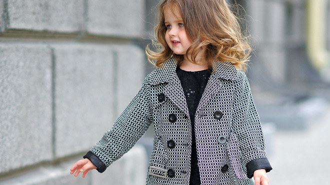 Wiosenne płaszczyki dla dziewczynki