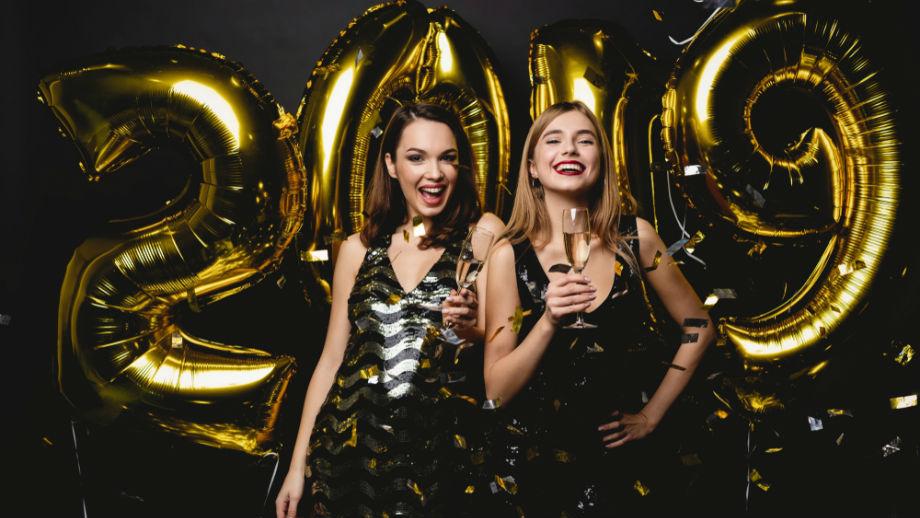 2faf9eb8258d59 Najmodniejsze sukienki na Sylwestra dla każdego typu figury - Allegro.pl