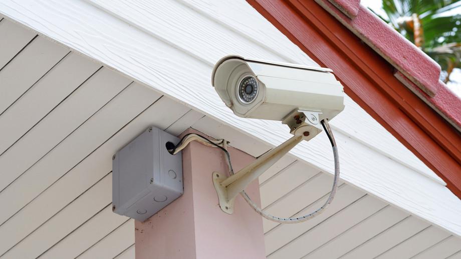 Jakie kamery zamontować wokół domu?