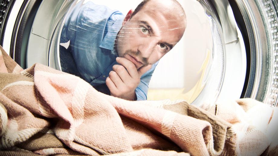 Brzydki zapach z pralki – jak go usunąć?