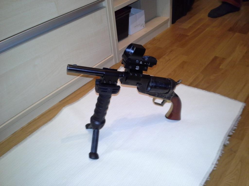 Rewolwer Walker Broń Czarnoprochowa