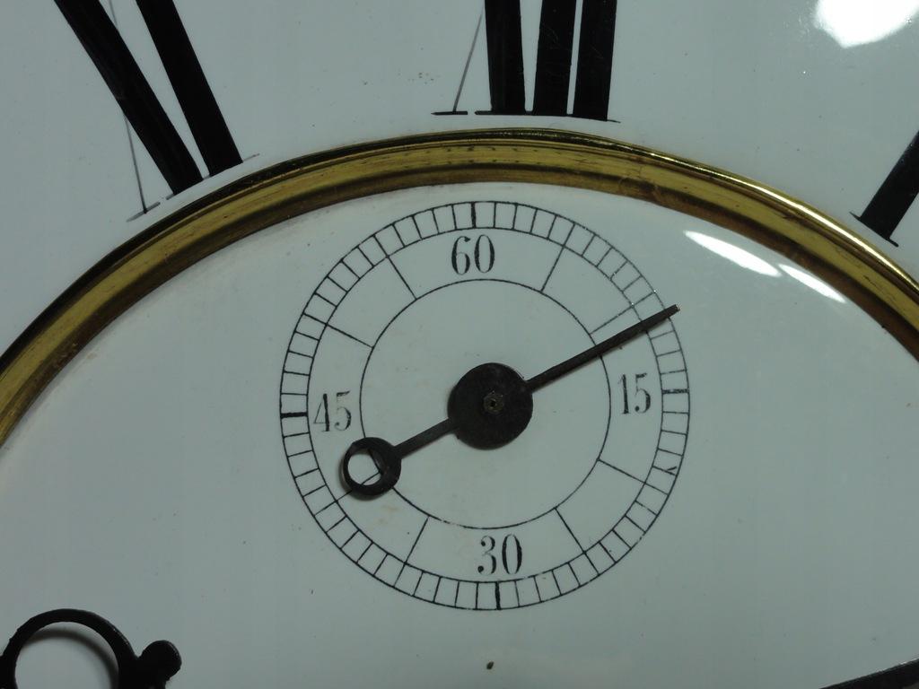Datowanie zegary z długimi mosiężnymi tarczami