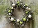 LIMONKOWY WIANEK stroik świąteczny z bąbkami dekor