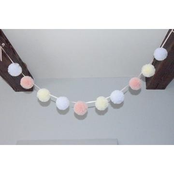 GIRLANDA z pomponów tiulowych ozdoba 3D