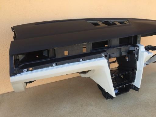 VW Passat B8 3G2 konsola deska rozdzielcza anglik