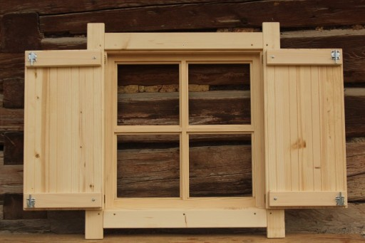 Okno Drewniane Skrzynkowe Z Okiennica Domek Altana